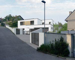 Dom na svahovitom pozemku